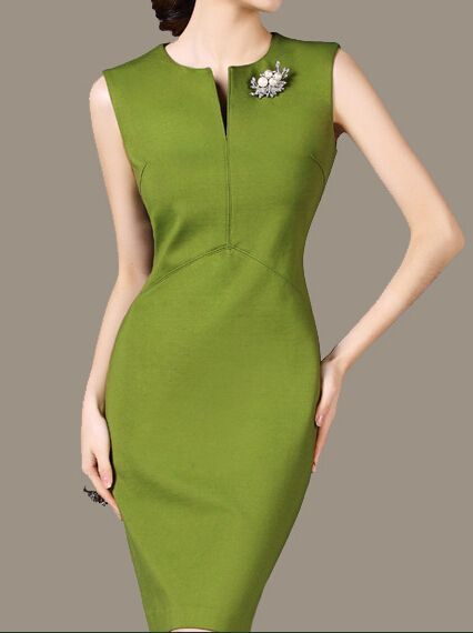 草绿色连衣裙